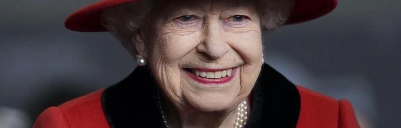 Королева Елизавета II все же пригласила принца Гарри и Меган Маркл на свой юбилей в Лондон