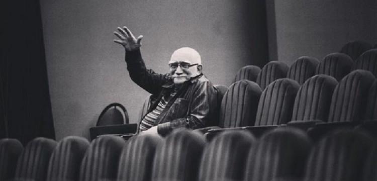 Друг Джигарханяна рассказал, что он ночевал в театре из-за проблем дома