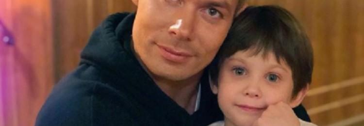 7-летнего сына певца Стаса Пьехи избила жена футбольного арбитра