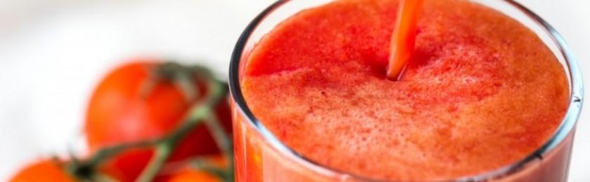 Ученые рассказали, почему томатный сок вкуснее в самолетах