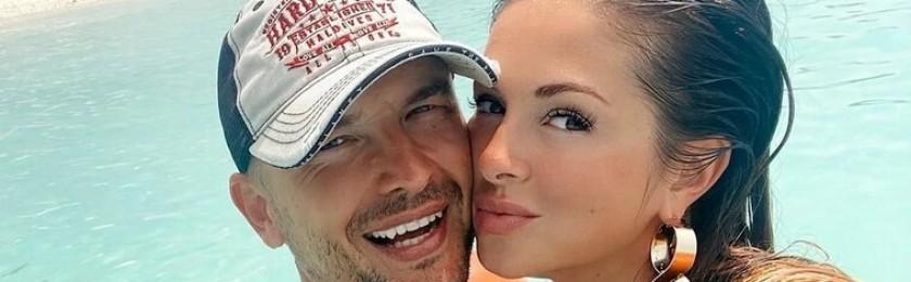 Нюша показала «беременное» пляжное фото с отдыха на Кипре
